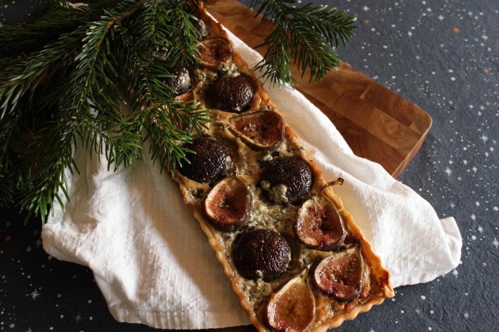 vegetarisch kerstdiner bestellen doe je bij Krop en Kool. Zoals deze taart met Oudwijker Colosso en vijgen